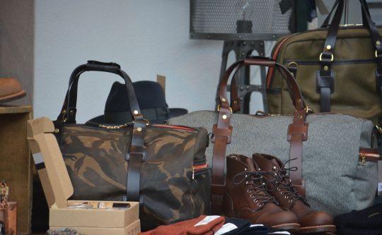 Ledertaschen und Schuhe